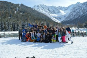 jongeren skivakantie groepsfeer